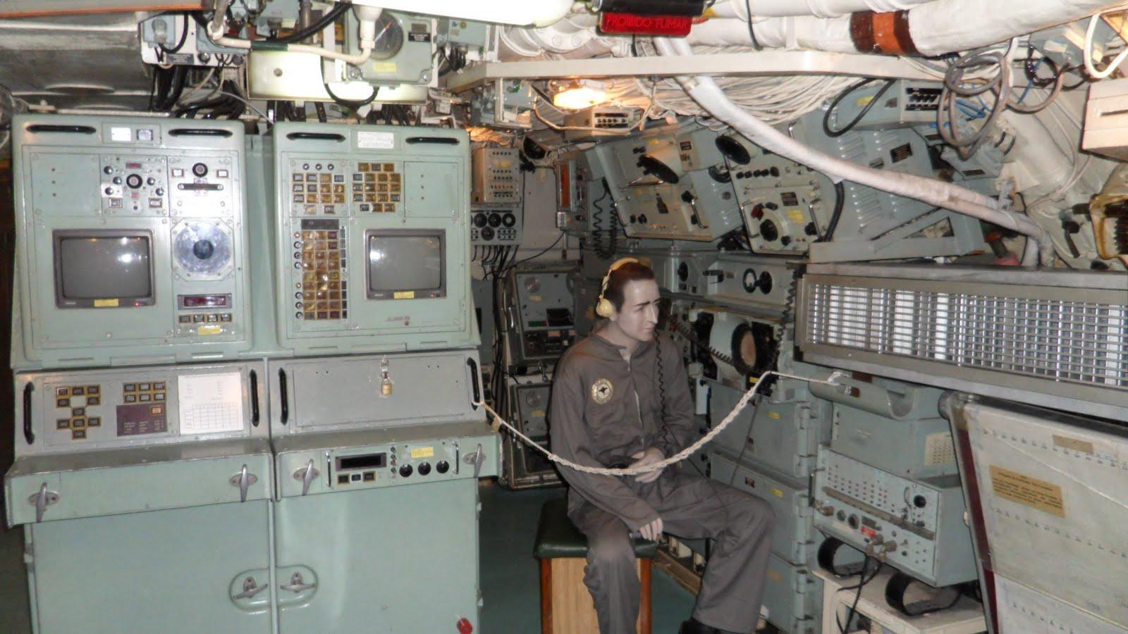 INSIDER/PARCERIA: Canal 'A Arte da Guerra' te leva a percorrer o interior do submarino classe Oberon 'Riachuelo'