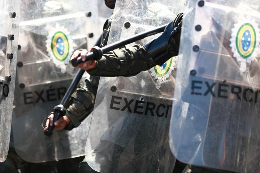 Governo corta sete generais do Exército para economizar R$ 2,3 milhões