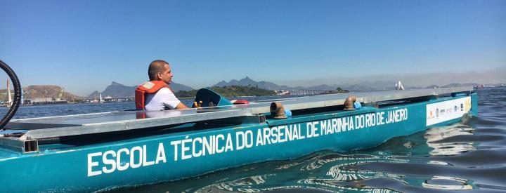 AMRJ expõe barco solar em evento do grupo Escoteiros do Mar
