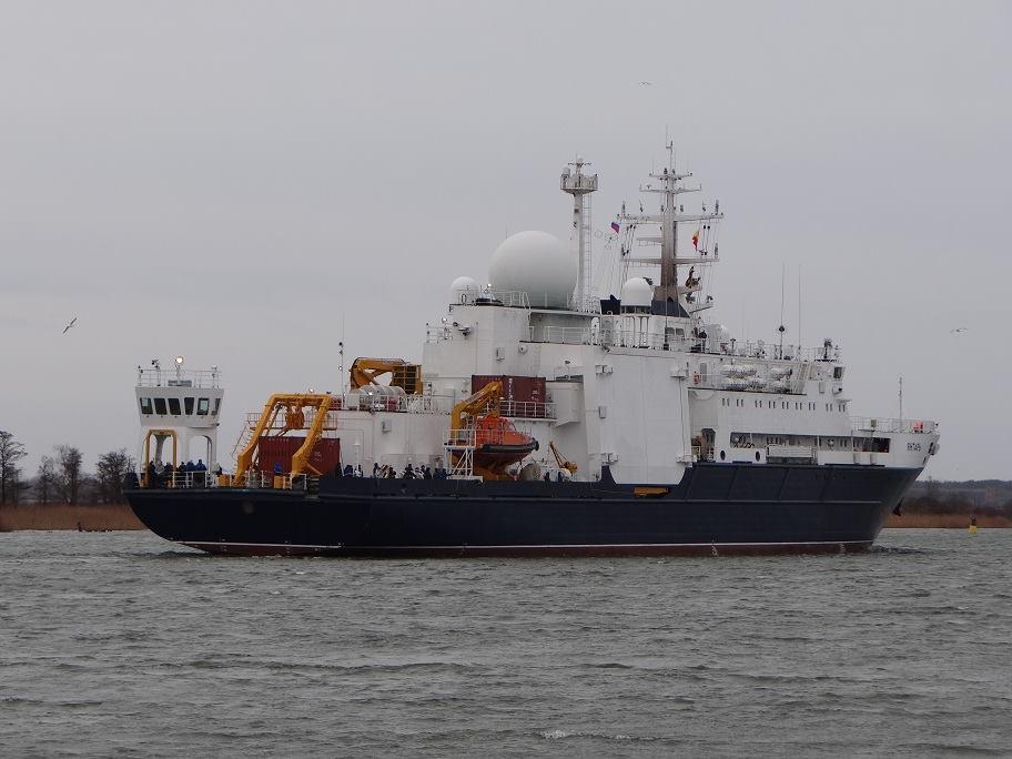 Yantar Shipyard Project 22010