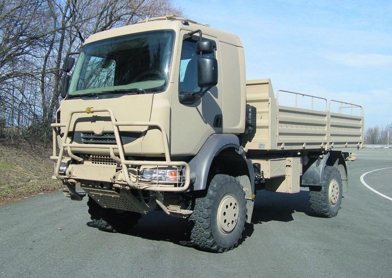 Vídeo: Caminhão Tatra 4×4 mostra toda sua monstruosidade