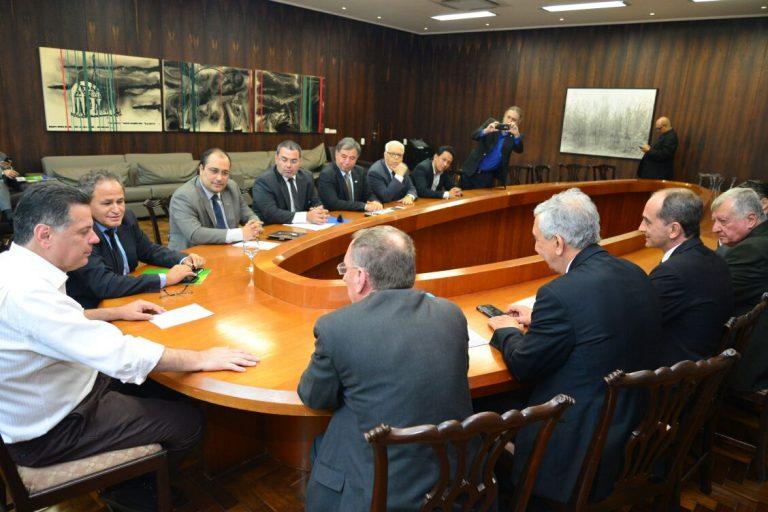 Governo de Goiás Recebe comitiva da ACIA e MD para tratar sobre o Polo de defesa