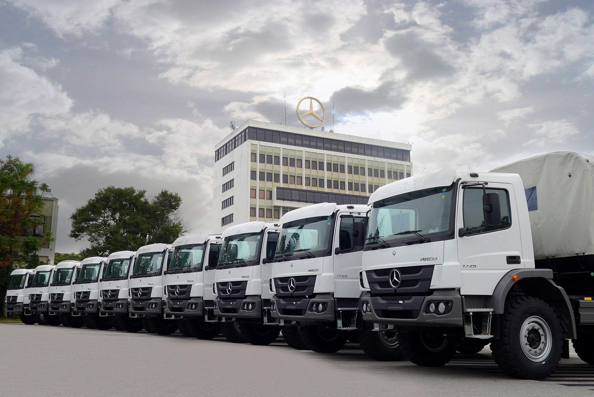 Mercedes-Benz do Brasil exporta 40 caminhões para Serra Leoa e Emirados Árabes