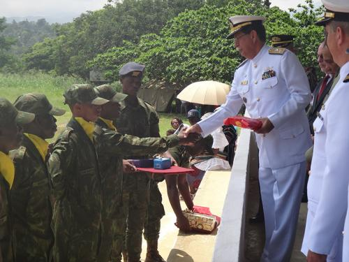 ADSUMUS: Soldados Fuzileiros Navais de São Tomé e Príncipe concluem curso de formação