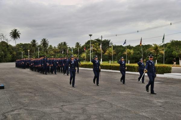 FAB PÉ DE POEIRA: Unidades em Manaus, São Paulo e Recife concluem formação de aspirantes, cabos e soldados