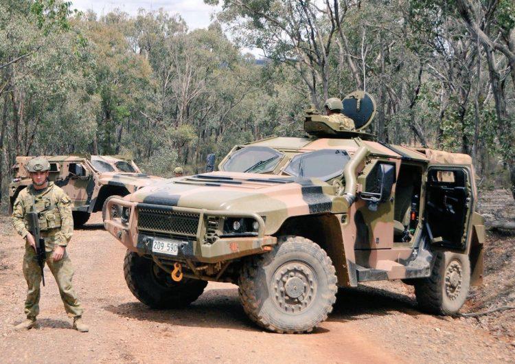 Exército australiano leva veículos Hawkei para avaliação no Iraque