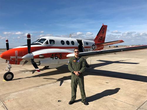 Aviador Naval brasileiro finaliza curso na Marinha dos Estados Unidos