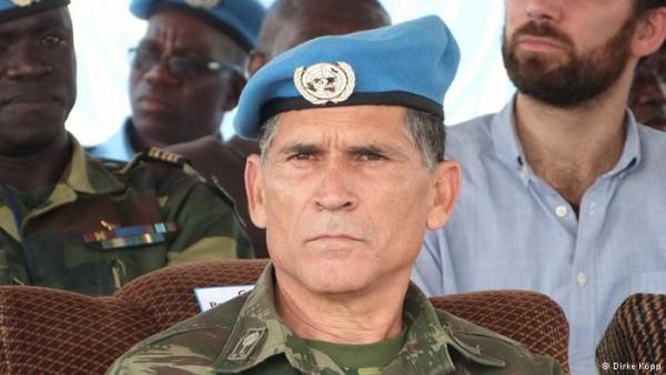 General brasileiro coordena redação de relatório sobre segurança de militares em missões de paz da ONU.