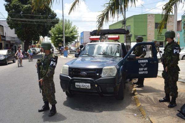 FAB PÉ DE POEIRA: Militares da Infantaria da FAB participam de operação na Região Metropolitana de Natal