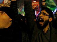 Manifestantes em protesto no Irã .