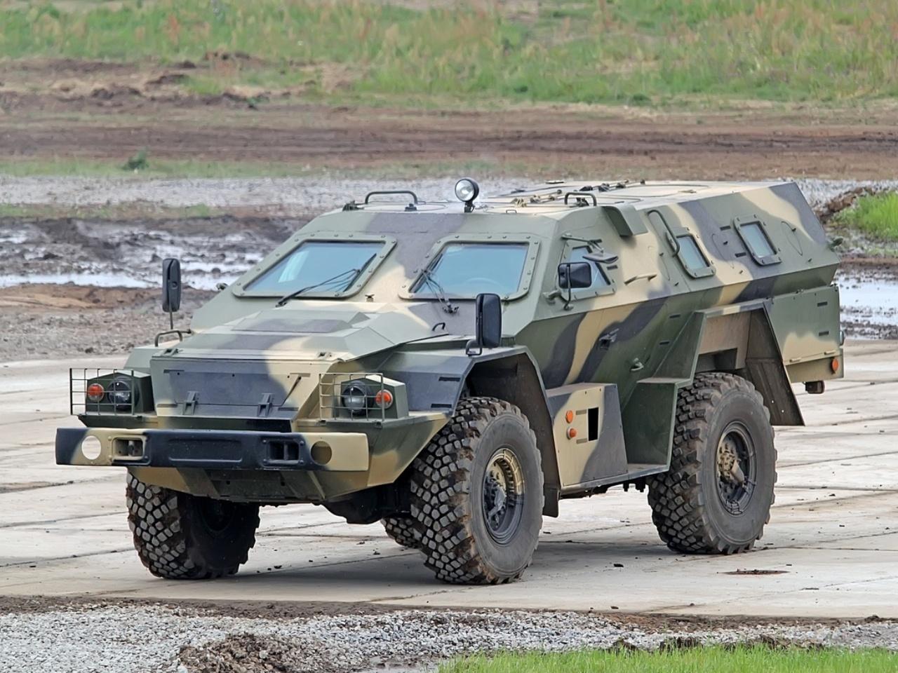 Vietnã interessado no veículo blindado BPM-97 Vystrel 4×4