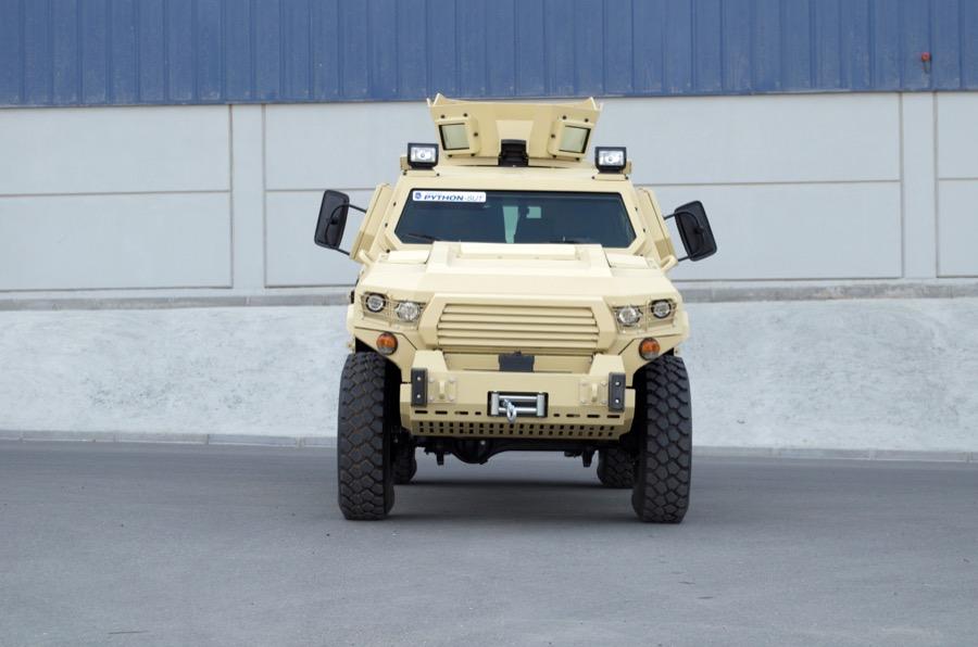 STREIT Group apresenta seu novo veículo blindado Python-SUT 4×4