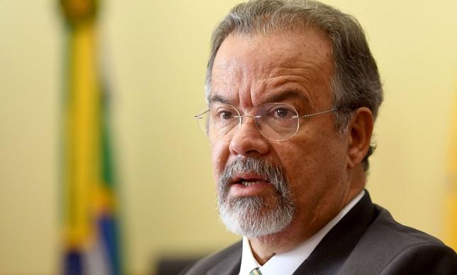 Ministro da Defesa diz que sistema de segurança do Brasil está 'falido'