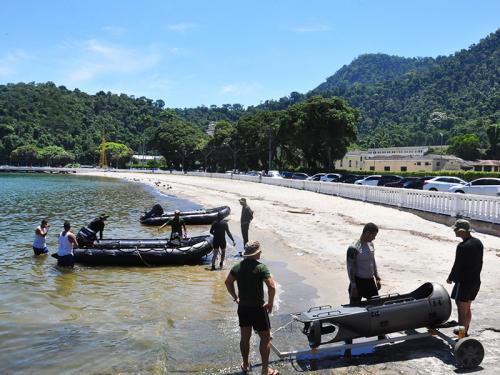 GruMeC: Colégio Naval recebe destacamento de mergulhadores de combate para treinamento