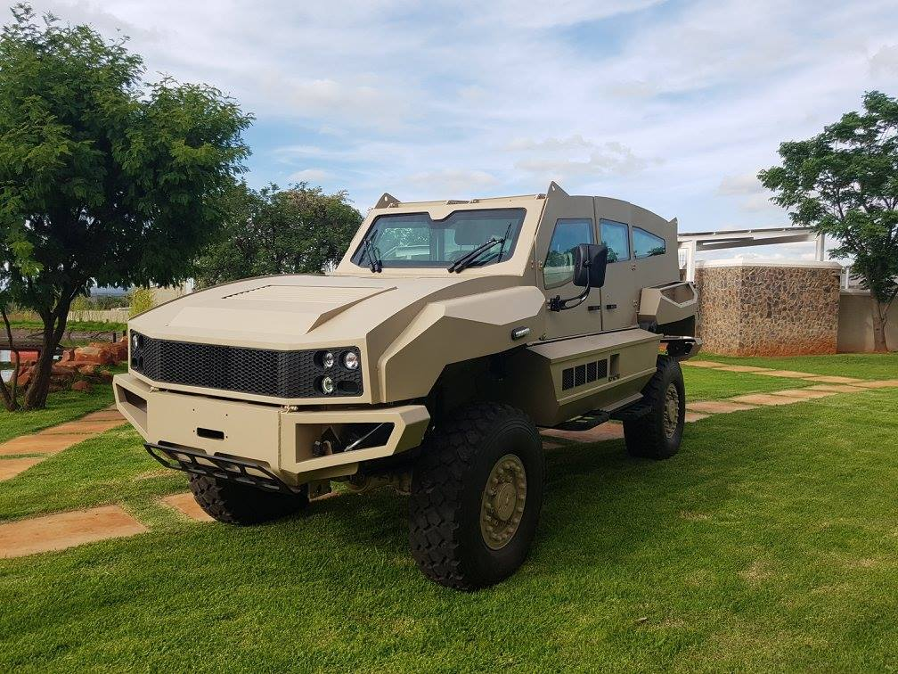 Sul Africana SVI Engineering apresenta seu novo veículo blindado MAX 4 × 4
