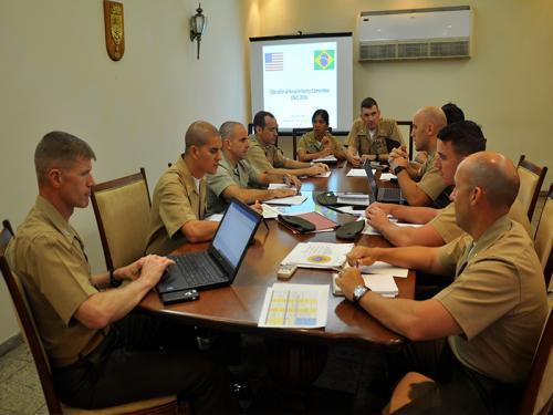 ADSUMUS: Corpo de Fuzileiros Navais realiza intercâmbio com oficiais do United States Marine Corps