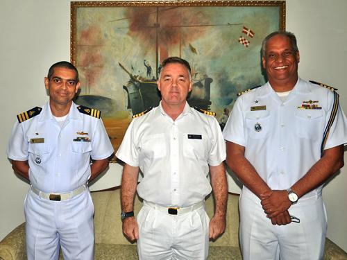 ADSUMUS: 2º Batalhão de Operações Ribeirinhas (2ºBtlOpRib) recebe visita de Capitão de Mar e Guerra Kevin Fleming Adido Naval do Reino Unido no Brasil