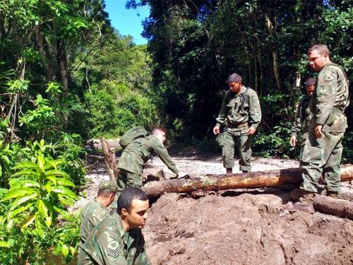 ADSUMUS: Batalhão de Engenharia de Fuzileiros Navais (BtlEngFuzNav) realiza manutenção da área de adestramento na Ilha da Marambaia