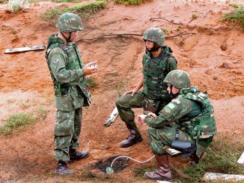 ADSUMUS : Grupamento de Fuzileiros Navais de Natal (GptFNNa) realiza adestramento no Campo de Instrução de Punaú (RN)