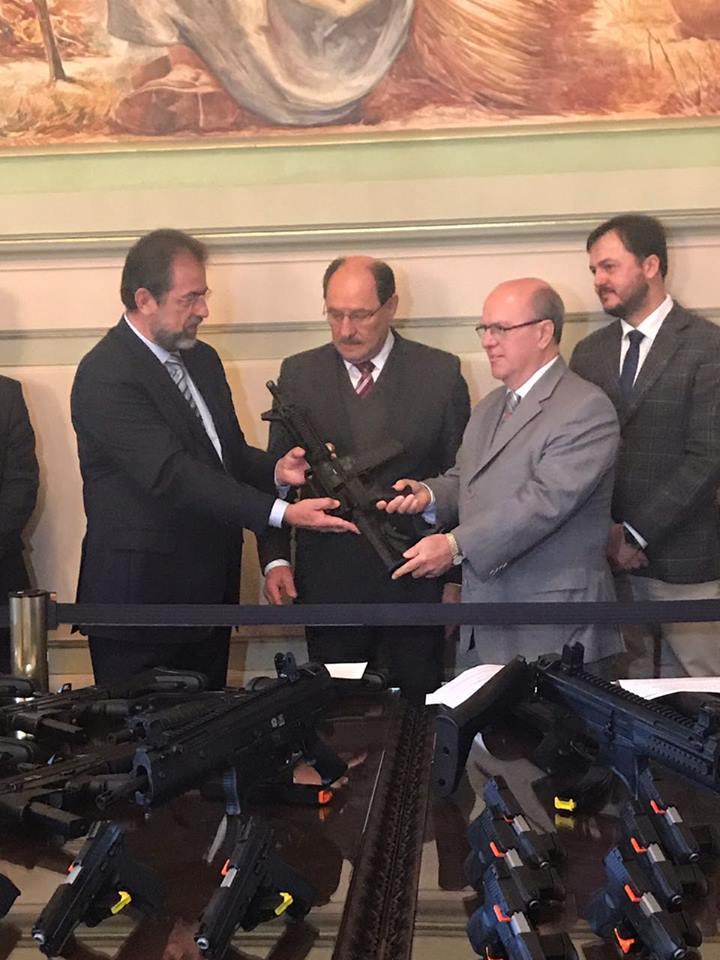 Taurus realiza doação de armas para a Secretaria Estadual da Segurança Pública do Rio Grande do Sul