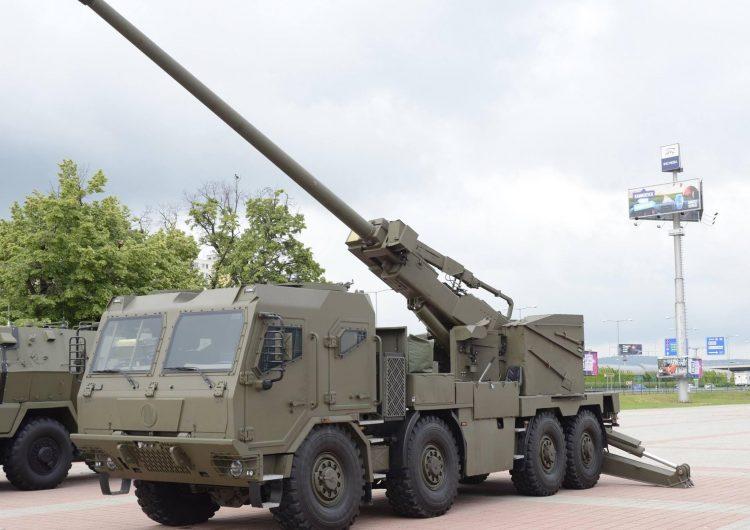 """IDEB 2018: Novo obuseiro autopropulsado """"tcheco-eslovaco"""" EVA de 155 mm"""