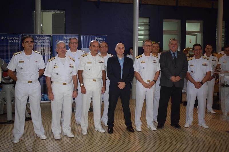 """Cerimônia de Lançamento do Livro """"Guardiões de Netuno"""", obra historiográfica sobre o GRUMEC da Marinha do Brasil"""