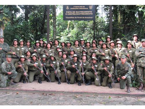 ADSUMUS.: 2º Batalhão de Operações Ribeirinhas (2°BtlOpRib) realiza adestramento para alunos do Curso de Formação da Polícia Militar do Pará