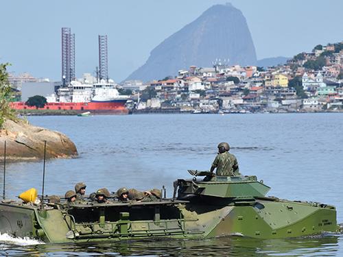 ADSUMUS: Alunos do Centro de Instrução e Adestramento de Brasília visitam organizações militares da Marinha no Rio de Janeiro