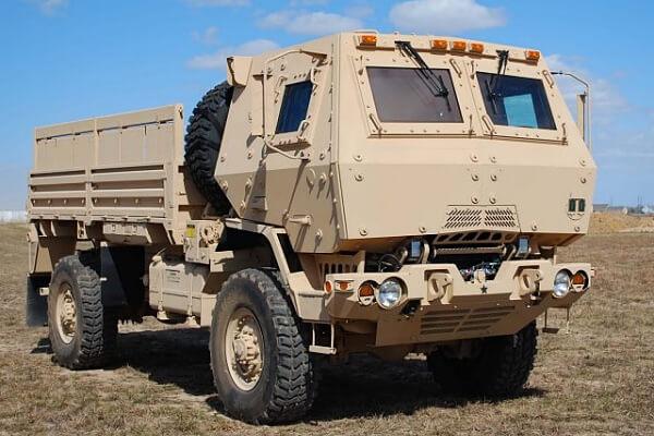 Oshkosh Defense recebe contrato para fornecer novo lote de veículos da família FMTV para o Exército Americano