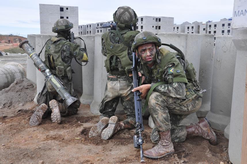 a57ef1f6a124d Plano Brasil – Infantaria Profissional do Exército Brasileiro