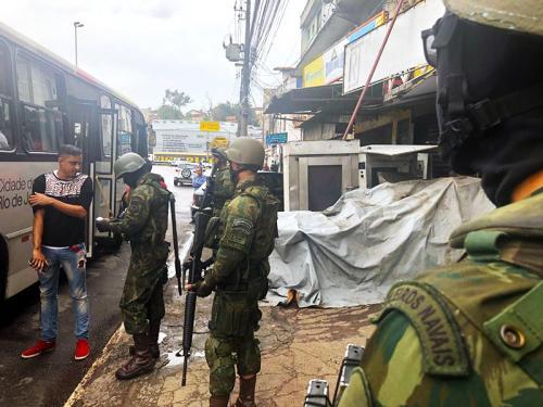 ADSUMUS: Fuzileiros Navais atuam em comunidades da Zona Oeste do Rio