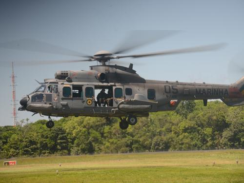 ADSUMUS: 2° Batalhão de Operações Ribeirinhas (2ºBtlOpRib) realiza adestramento em aeronave UH-15 Super Cougar do 2º Esquadrão de Helicópteros de Emprego Geral (EsqdHU-2)
