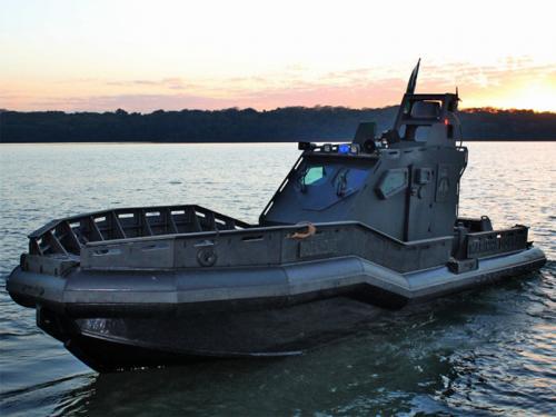 Capitania Fluvial do Rio Paraná apresenta nova lancha blindada para patrulhamento