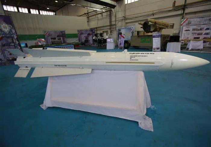 """Irã inicia produção em massa de um """"novo"""" míssil ar-ar"""