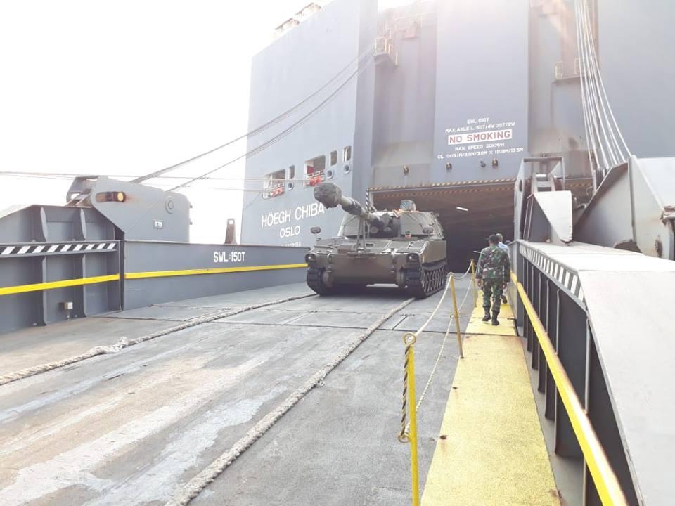 Indonésia recebe segundo lote de Obuseiros Autopropulsados M109 A4BE da Bélgica