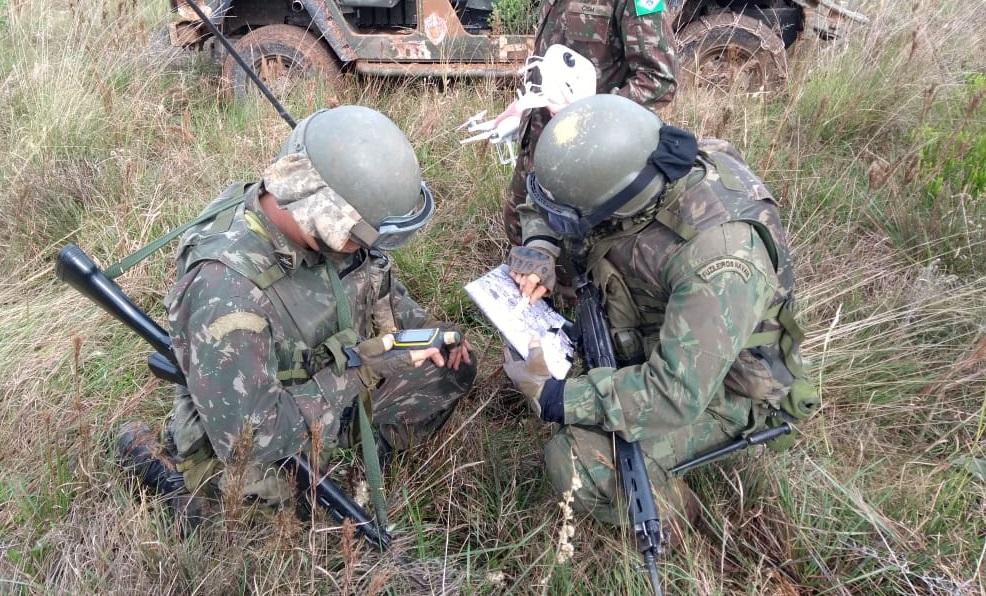 O uso de  Sistemas de Aeronaves Remotamente Pilotadas (SARP)  pelo Pelotão de Exploradores no reconhecimento de área