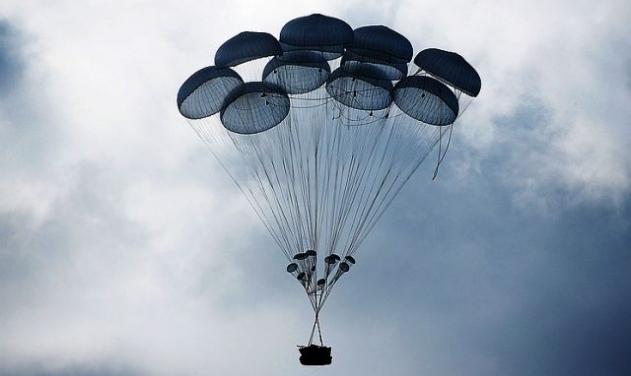 Rostec anuncia triplicação da produção de paraquedas