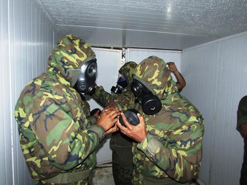 ADSUMUS:  Batalhão de Engenharia de Fuzileiros Navais (BtlEngFuzNav) ministra instrução para Curso de Enfermagem Operativa da Marinha