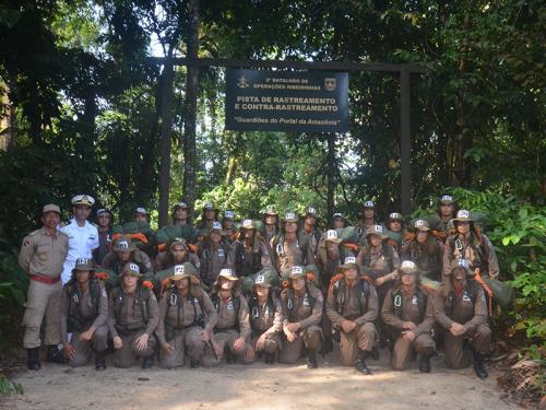 ADSUMUS: 2° Batalhão de Operações Ribeirinhas (2°BtlOpRib) realiza adestramento para alunos da Academia de Bombeiros Militar do Pará