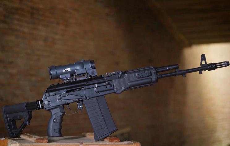 ARMY 2018: Kalashnikov apresenta seu novo fuzil de assalto AK-308 calibre 7,62 x51 mm