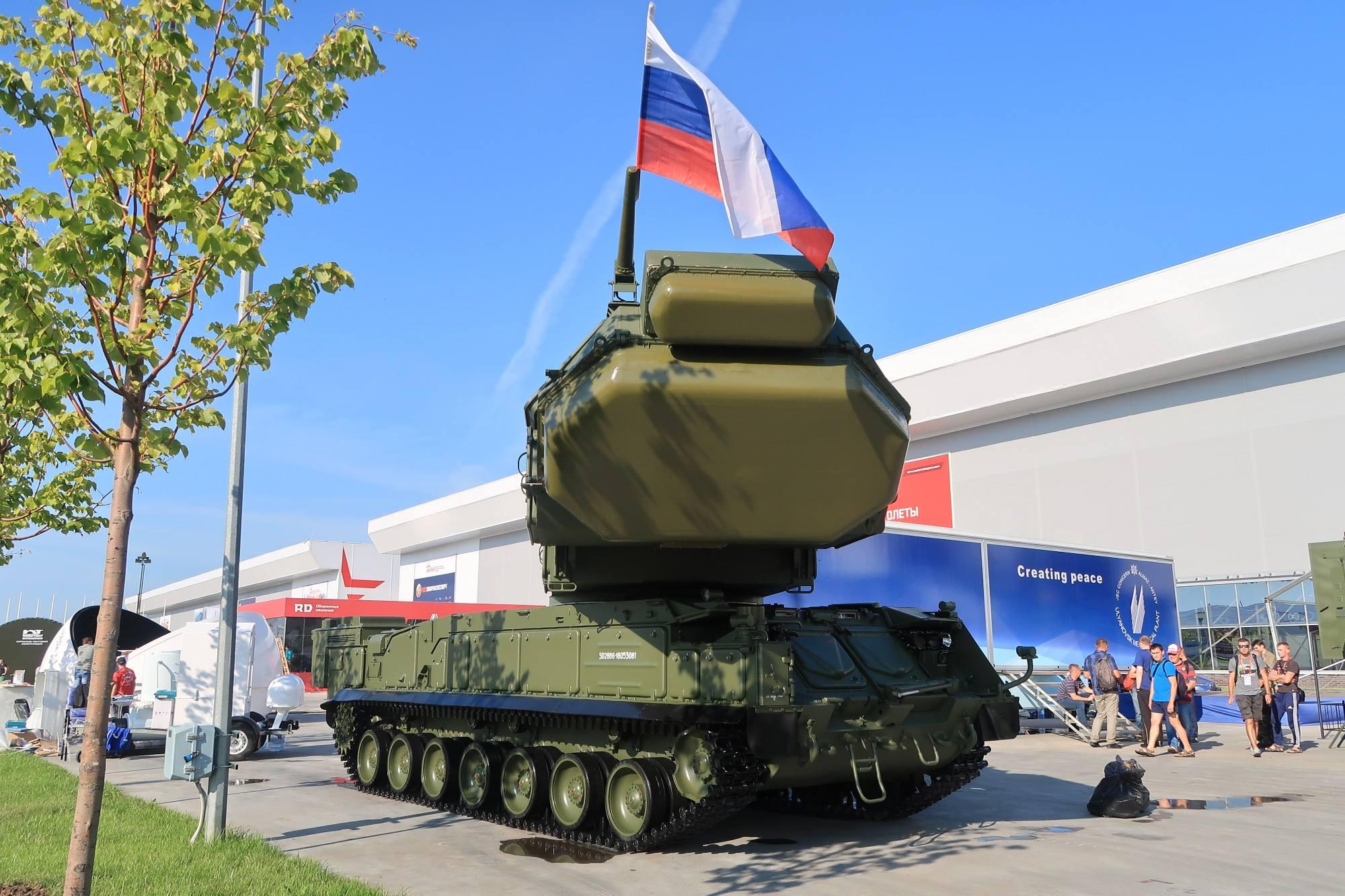 Army-2018:- Sistema de mísseis superfície-ar Buk-M3 é exibido pela primeira vez na mostra exterior para o público
