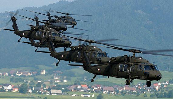Departamento de Estado dos EUA autorizou a venda de quatro helicópteros Black Hawk UH-60M para a Letônia