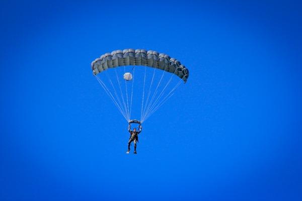 FAB PÉ DE POEIRA: Esquadrão Aeroterrestre de Salvamento, conhecido como PARA-SAR realiza adestramento em conjunto com o 1° ETA