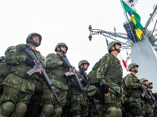 """Plano Brasil/MB/CFN/Análise: """"Militares da Força de Fuzileiros da Esquadra participam da chegada do PHM """"Atlântico"""""""""""