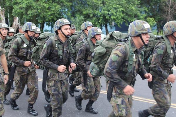 FAB PÉ DE POEIRA: Segundo Grupo de Defesa Antiaérea (2º GDAAE- Grupo Ajuricaba) realiza Estágio de Observador de Defesa Antiaérea