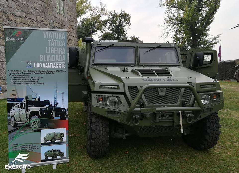 Exército Português recebe primeiro veículo blindado URO VAMTAC ST5.