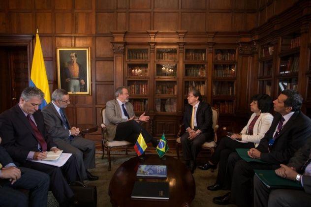 Brasil e Colômbia trocam experiências no combate ao crime organizado