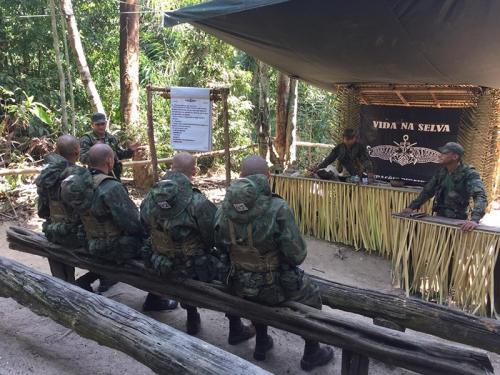ADSUMUS: 1° Batalhão de Operações Ribeirinhas (1°BtlOpRib) apoia Curso de Aperfeiçoamento de Mergulhadores de Combate para Oficiais 2018