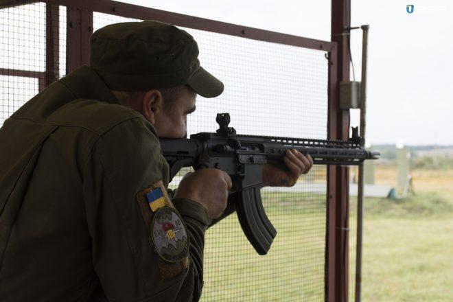 Indonésia planeja comprar rifles de assalto WAC-47 da Ucrânia