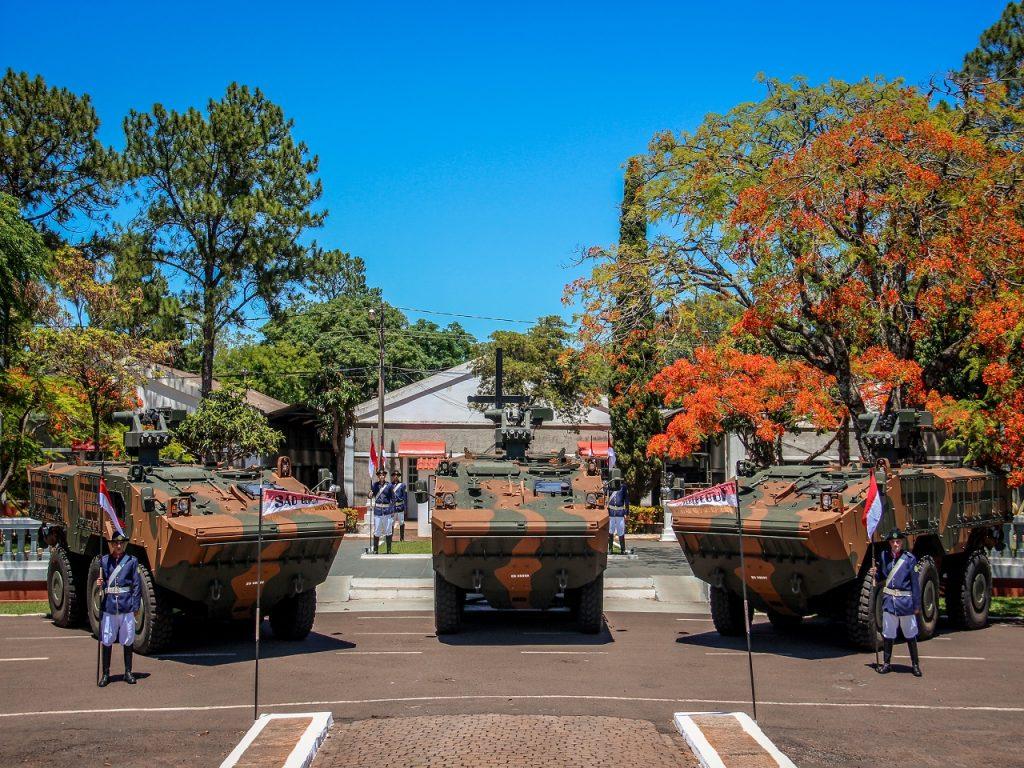 """2º Regimento de Cavalaria Mecanizado recebe Viaturas de Transporte de Pessoal Média de Rodas (VBTP-MR) """"Guarani"""""""